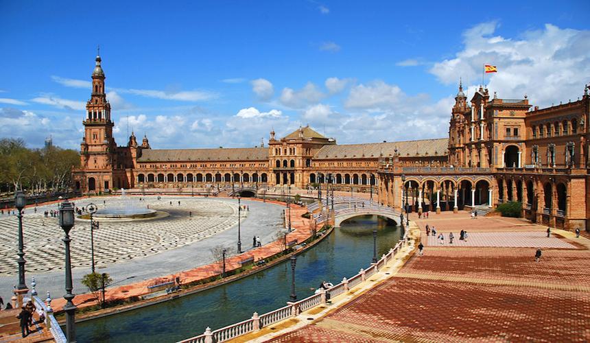 میدان اصلی اسپانیا