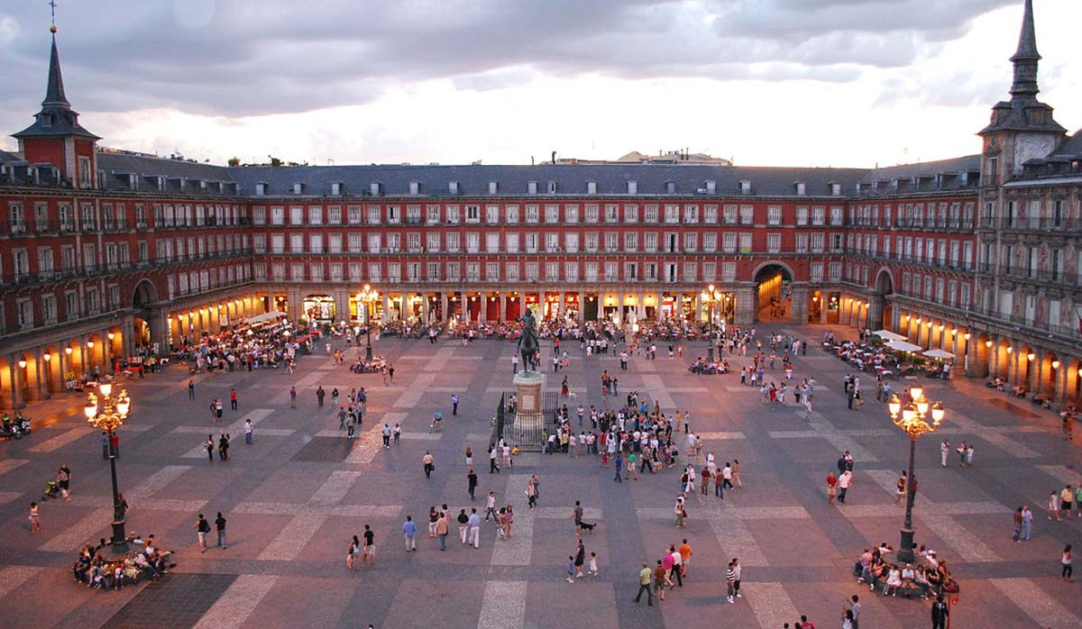 تفریحات رایگان اسپانیا