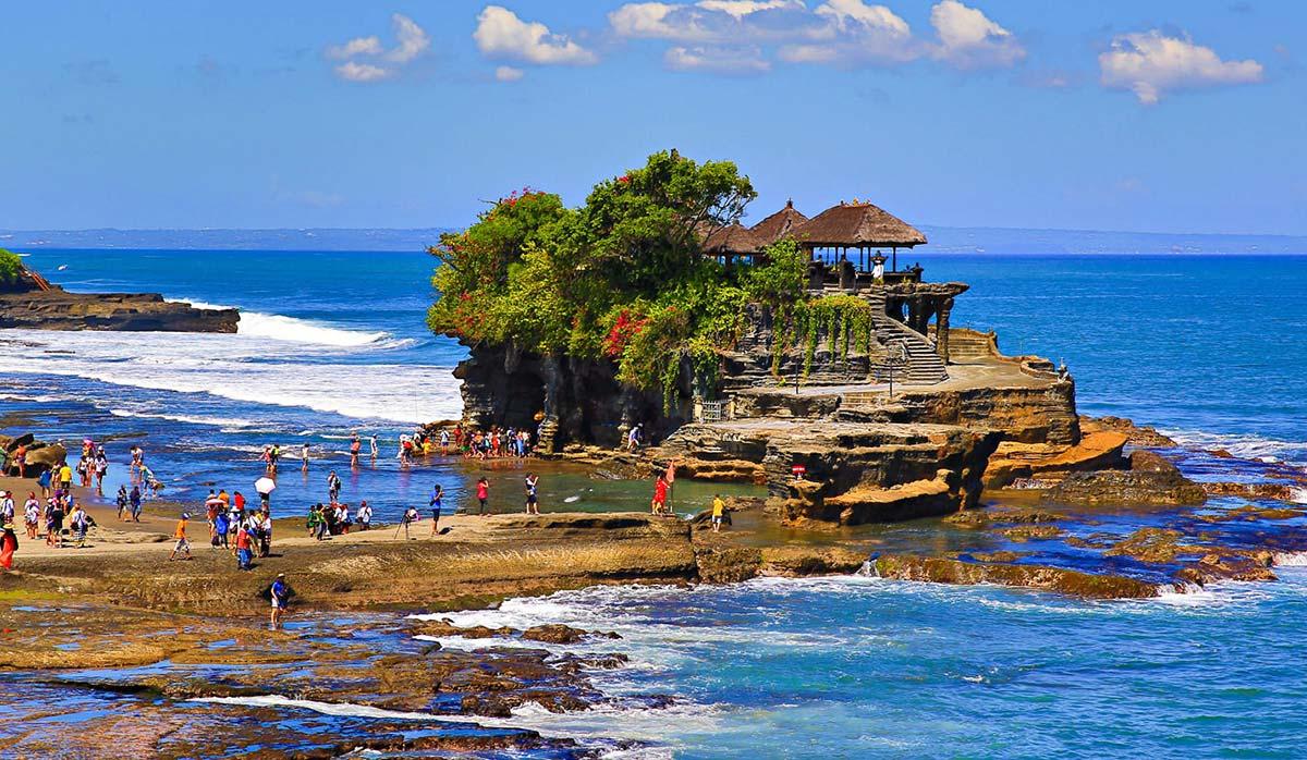 جاذبههای بالی