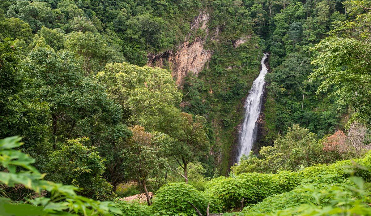 آبشار Mae Surin