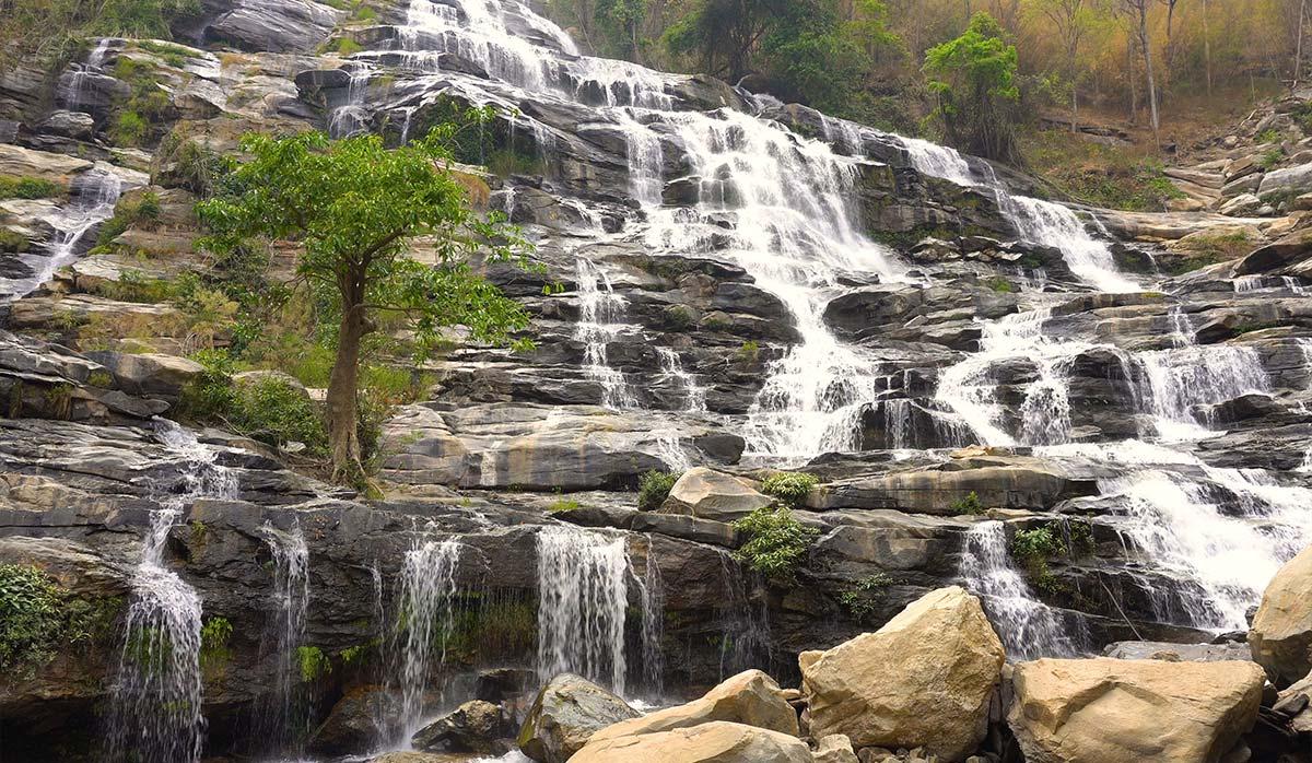 آبشار Mae Ya