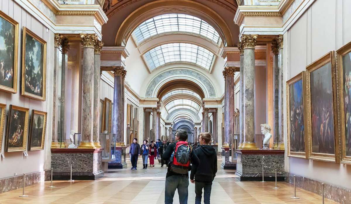 بخشی از موزه لوور