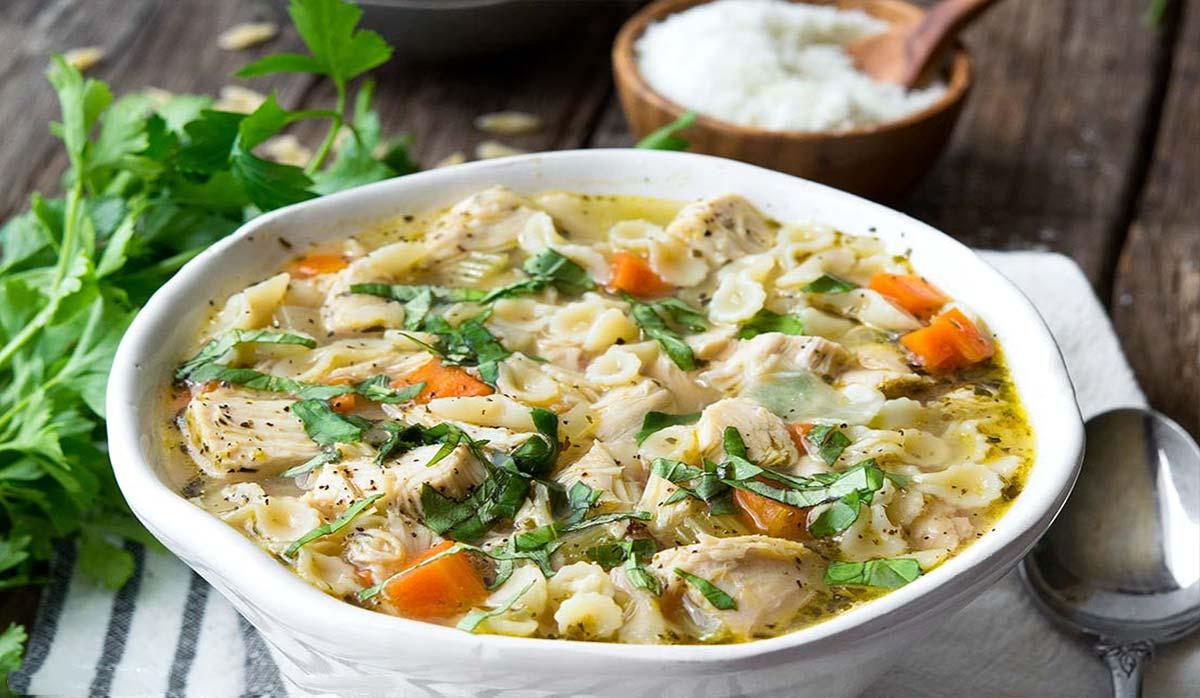 سوپ مرغ ایتالیایی