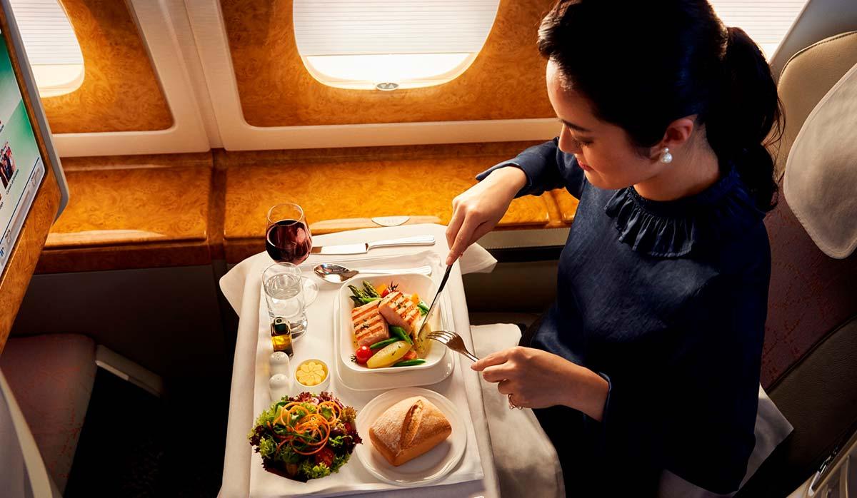 پذیرایی در هواپیمایی امارات