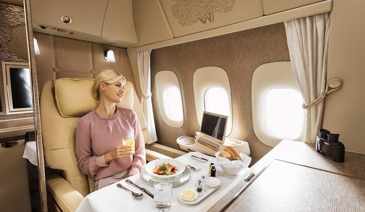 کترینگ هواپیمایی امارات