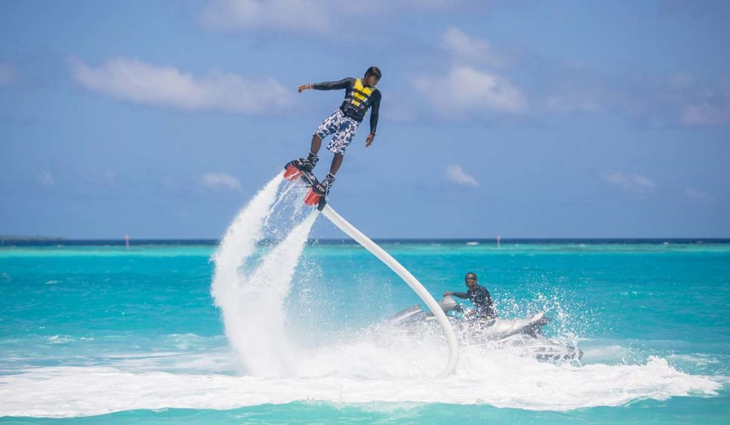 فلای برد در مالدیو