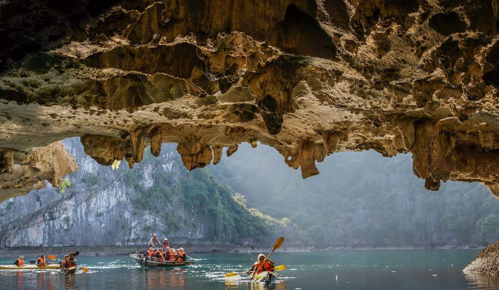 غارهای هالونگ