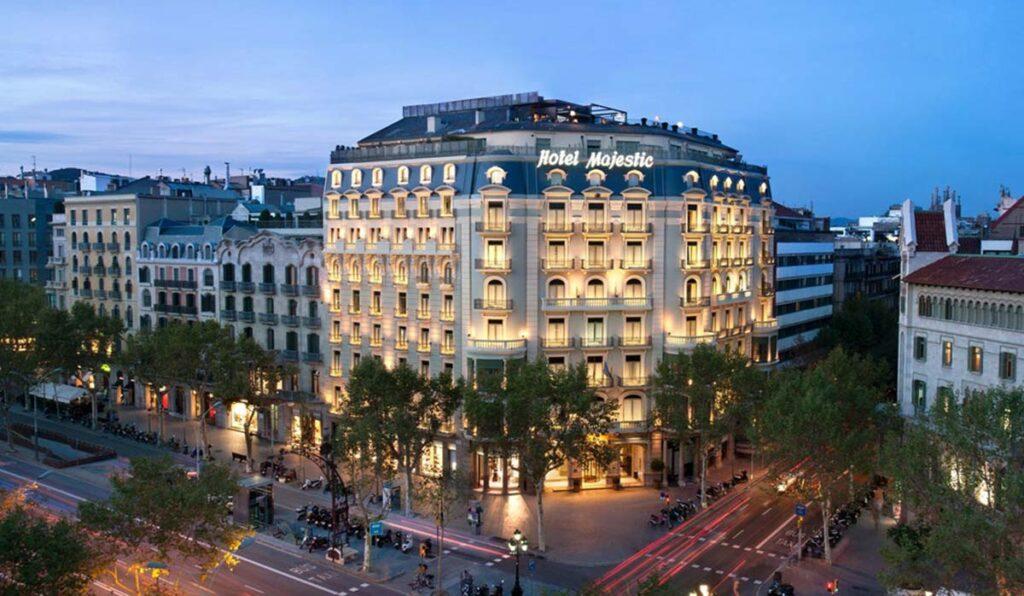 هتلهای 4 ستاره را برای اقامت انتخاب کنید