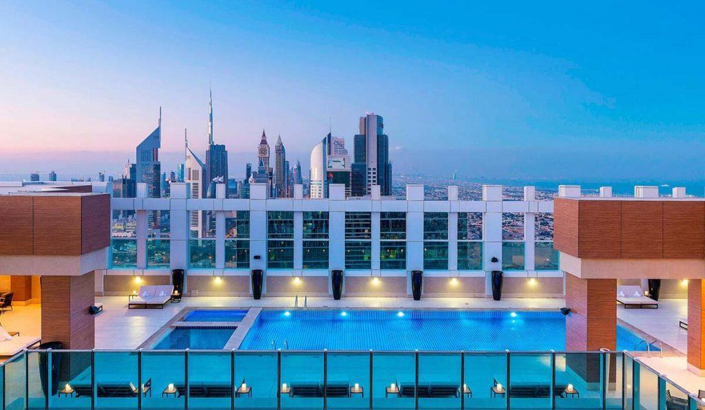استخر هتل شرایتون دبی